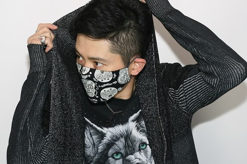 外国人、仏人的には、日本人のマスクって変らしい