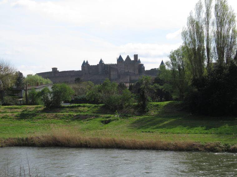カルカッソンヌ城展望|河沿い散歩コース
