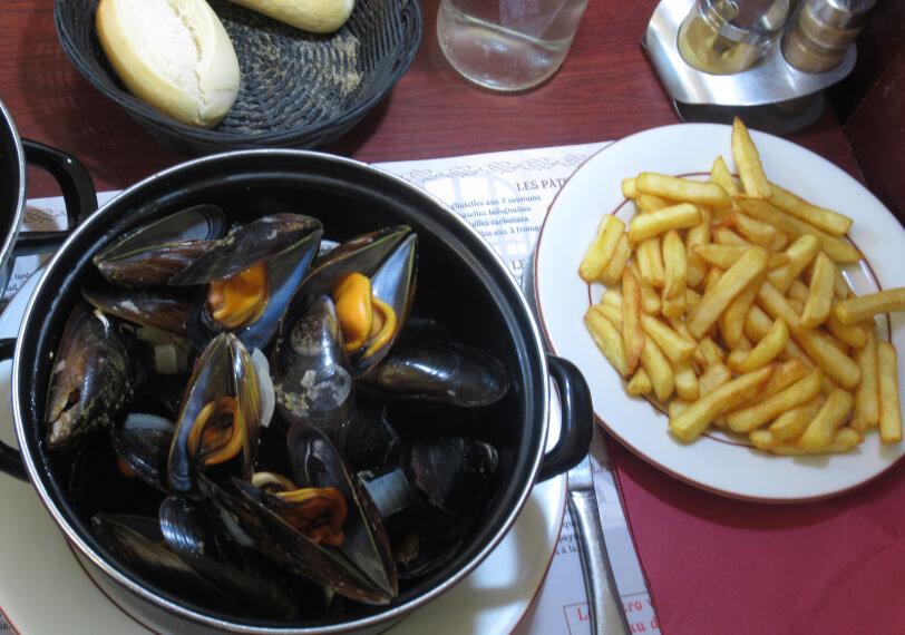 ムール貝をフランスで食べると|一人バケツ鍋一杯が当たり前